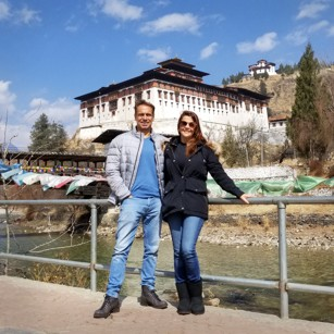 Omnimundi Couple at a river border in Paro Bhutan